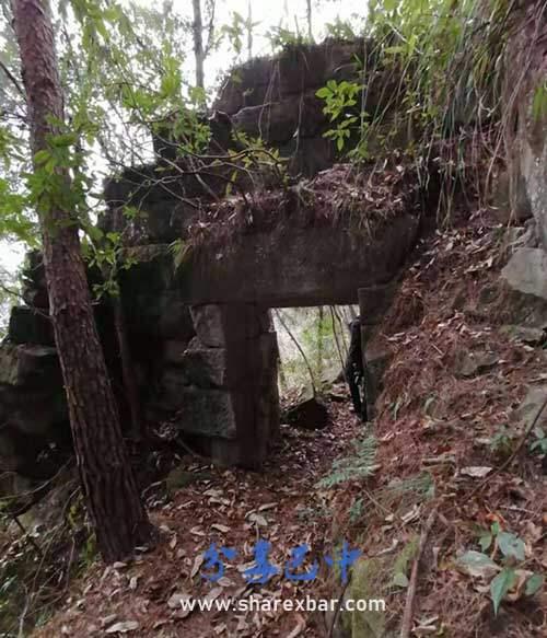 现在还存在的据说是邓大潮修建的拦马墙